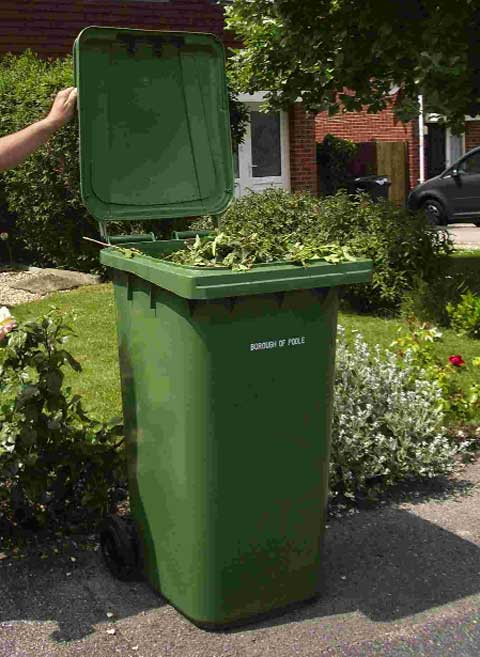 Green bin suspension 'caused problems' admits council