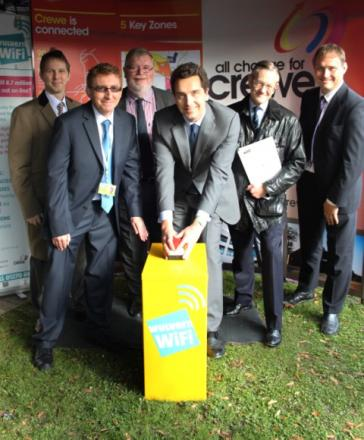 MP for Crewe and Nantwich, Edward Timpson, centre, launches Wulvern's free broadband service.