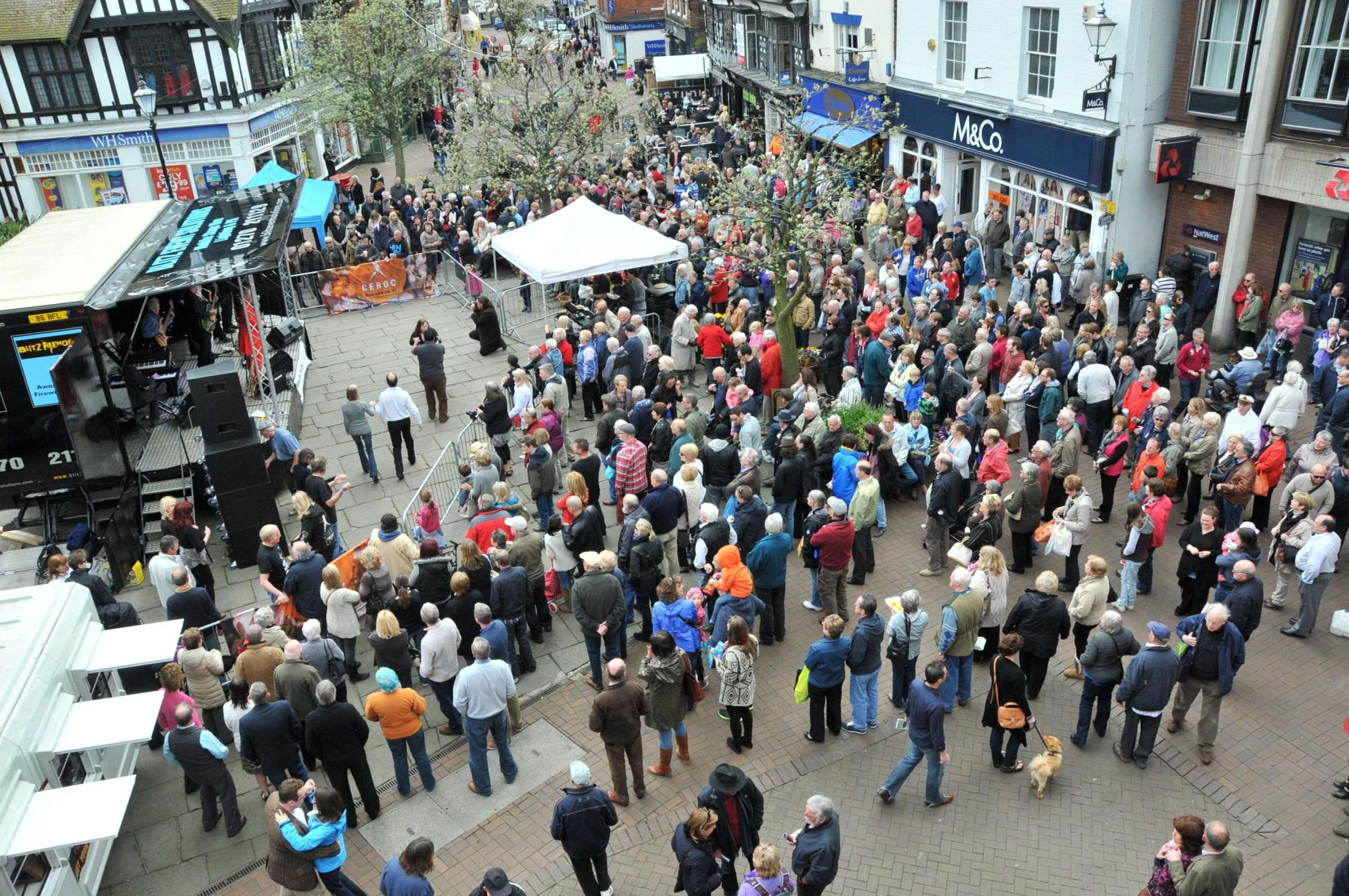 Crewe Guardian: Police hail behaviour of those attending Nantwich Jazz Festival