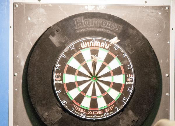 Grandstand finish in darts league