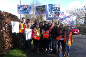 Junior doctors walk out of Leighton Hospital