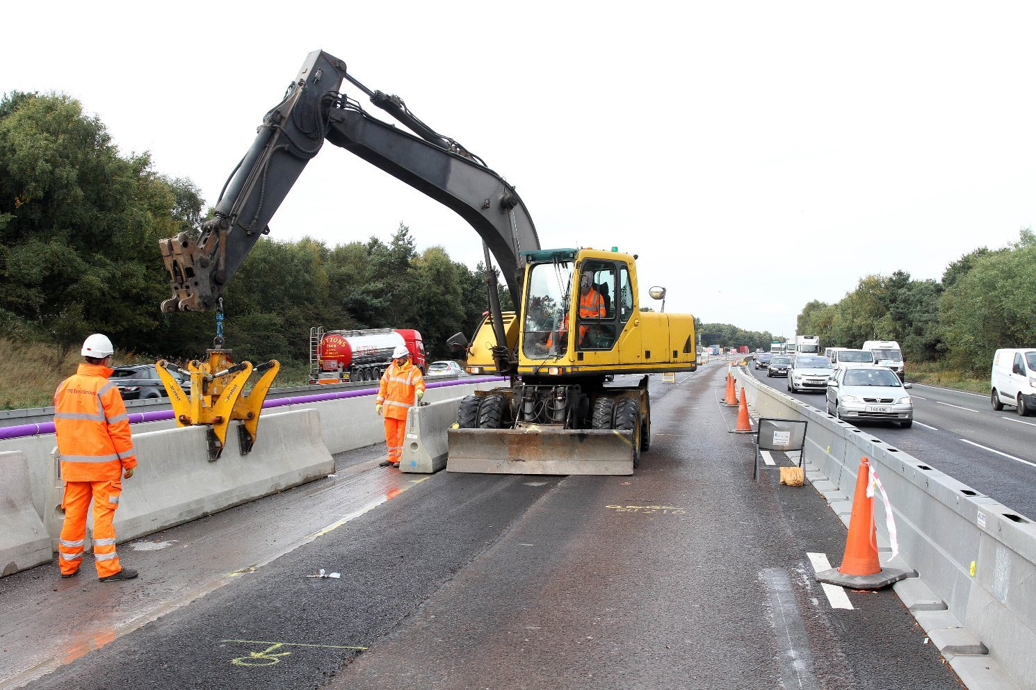 Roadworks on the M6. Image: Highways England
